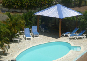 Location Guadeloupe Sainte-Anne A 150m de la plage et du spot de Surf : Studios, T2 Jacuzzi, T3.