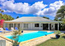 Jolie villa pour 6 personnes avec piscine en bordure de plage